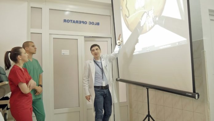 chirurgia robotică
