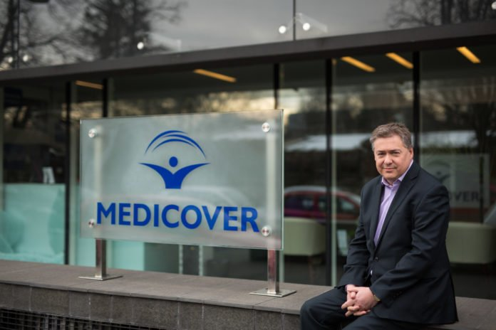 Adrian Peake managerul Medicover