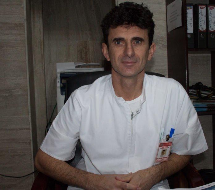 Dr. Emil Senin Negovan Reconstrucția mamară cu implant