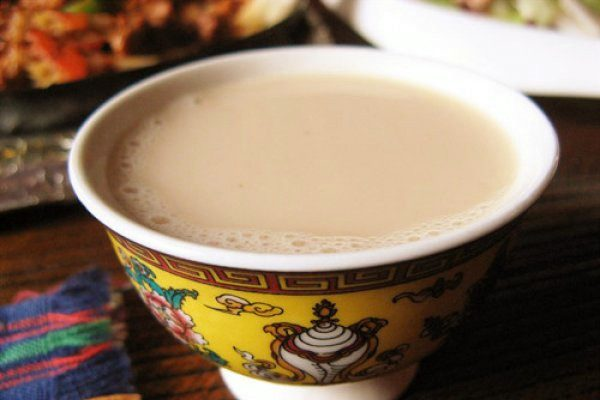 ceai cu unt tibetan