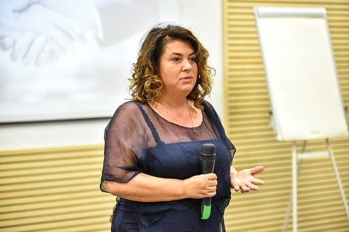 dr. Carmen Orban