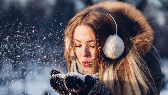 Cum ne îngrijim părul în anotimpul rece