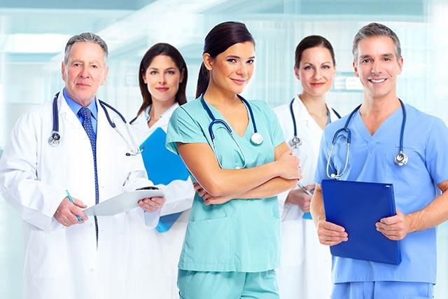 posturi de medici specialisti