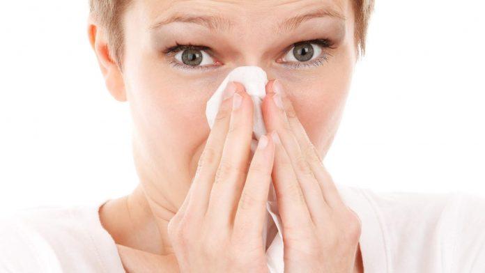 Alergia la praf - Cauze, simptome, factori de risc, tratament